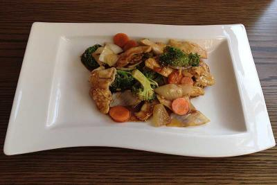 Chicken with Broccoli Spears & Oyster Sauce