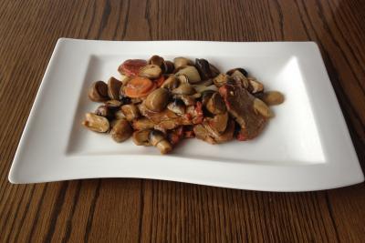 Roast Pork with Straw Mushroom & Oyster Sauce