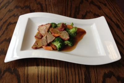 Roast Pork with Broccoli Spears & Oyster Sauce